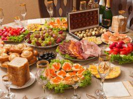Гипермаркет или рынок? Обзор цен на основные продукты к новогоднему столу