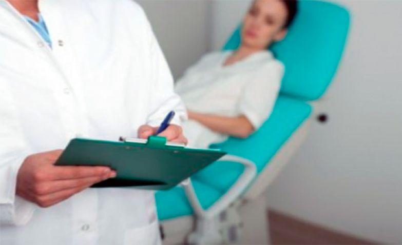 chlen-foto-devushek-na-medosmotre-u-ginekologa-film-pro-sekretarsh