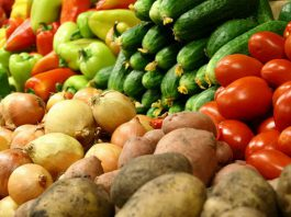 Взлет цен на рынках Таджикистана: местных овощей еще нет, а импортные подорожали