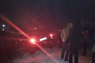На севере Бишкека машину занесло в БЧК