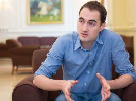 Журналист Крис Риклтон — о депортации из Кыргызстана, политических драках и коррупции