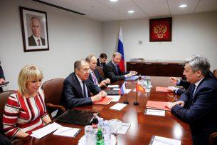 Кыргызстан и Россия обговорили график взаимных контактов на высшем уровне