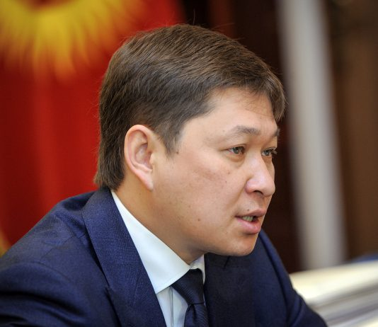 Бишкекский горсуд оставил под стражей Сапара Исакова до 5 октября этого года