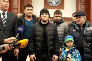 В Бишкек прибыл знаменитый боец MMA Хабиб Нурмагомедов (видео)