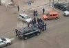 В центре Бишкека автомобиль с дипномерами сбил пешеходов: водитель скрылся с места ДТП (фото)