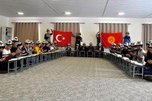 Молодежь Кыргызстана молится за победу Турции в войне против курдов? Подробности (видео)
