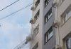В многоэтажном доме по ул. Гоголя в Бишкеке произошел пожар, пострадал 14-летний подросток (фото, видео)