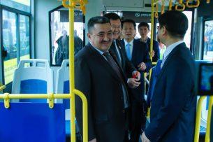 Мэр Бишкека не стесняется ездить на общественном транспорте