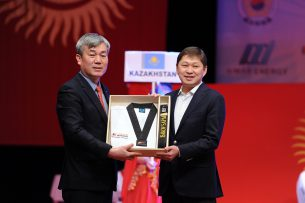Сапар Исаков удостоен черного пояса и седьмого дана за вклад в тхэквондо