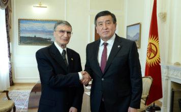 Сооронбай Жээнбеков встретился с лауреатом Нобелевской премии Азизом Санжаром