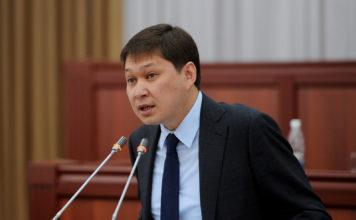 Исаков, обращаясь к депутатам: Вы спрашиваете с меня, будто я на должности премьер-министра 5-6 лет
