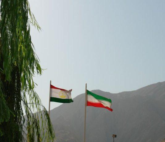 Совет улемов Таджикистана: Иран не заслуживает звания дружественной страны