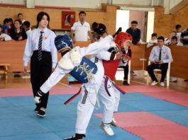 В Бишкеке впервые прошло соревнование по таэквондо с участием спортсменов из пяти стран