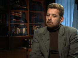 Вопрос о снятии неприкосновенности с Атамбаева возник вследствие стремления ограничить экс-главу Киргизии – Андрей Грозин