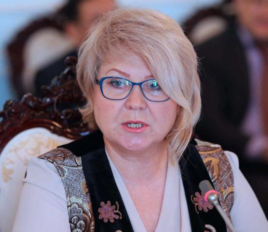 Политические итоги двух лет правления Сооронбая Жээнбекова: интервью Ирины Карамушкиной
