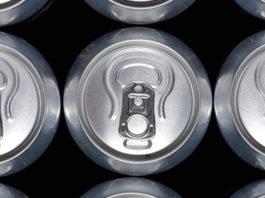 В Баткенской области пытались провезти более 7 тыс. банок со слабоалкогольными напитками