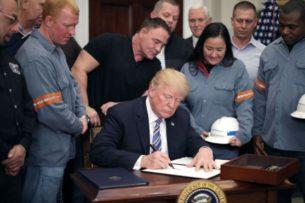 Трамп: General Motors приступит к производству аппаратов искусственного дыхания