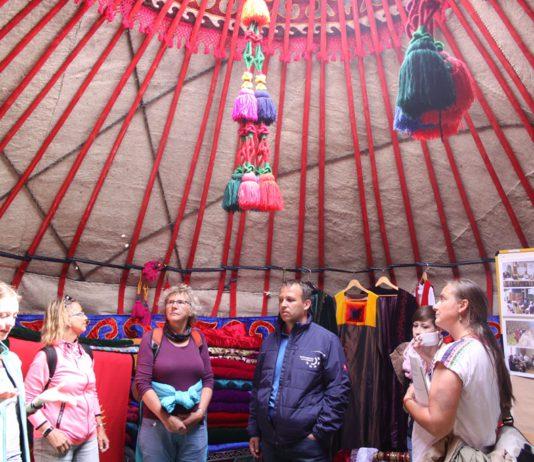 Жителям Германии показали туристический потенциал Кыргызстана