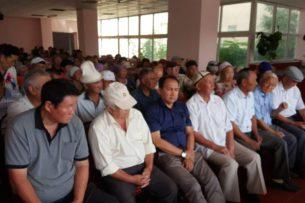 В родном селе Албека Ибраимова собрались его сторонники (фото)