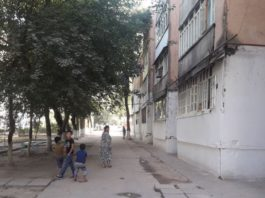 Таджикистан: Мать двух членов группировки, устроивших атаку на туристов, уволена из школы