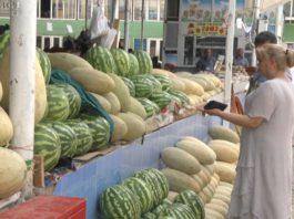 «Цены кусаются»: дыни и арбузы не по карману таджикистанцам
