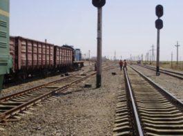 В Узбекистане влюбленные бросились под поезд
