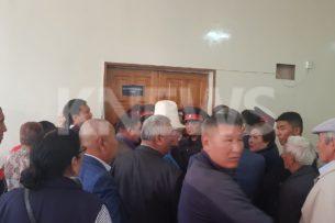 Адвокат Албека Ибраимова не может попасть на процесс (видео)
