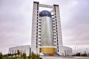 Узбекские телеканалы отключили от туркменского спутника из-за показа боевика «Призрачная шестерка»