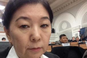 Посол: Скрыть информацию о пьяной замминистра Зууракан Каденовой просили в аппарате президента
