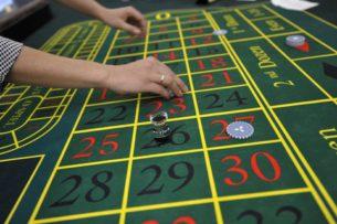 Депутаты парламента Кыргызстана одобрили законопроект об открытии казино на Иссык-Куле
