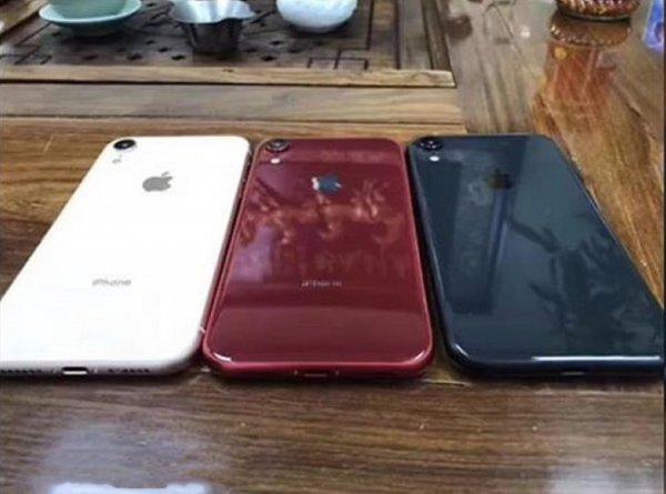 Apple выпустит для iPhone XR прозрачный силиконовый чехол за 2500 рублей