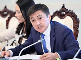Главе Соцфонда Кыргызстана предложили уволиться