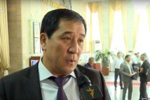 АКС ГКНБ Кыргызстана возбудила уголовное дело в отношении депутата Алиярбека Абжалиева. Свата Сооронбая Жээнбекова подозревают в незаконном обогащении