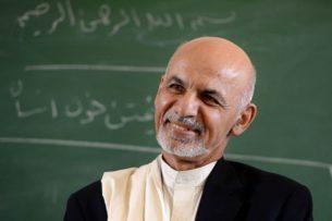 Экс-президент Афганистана бежал через Узбекистан, откуда вылетел в ОАЭ на лайнере казахстанской авиакомпании