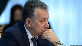 Фарид Ниязов о курултае, попытках примирения Атамбаева с Жээнбековым, фонде «Апрель» и многом другом
