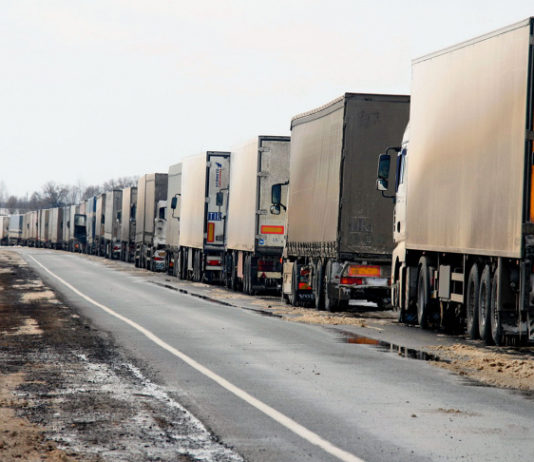 Узбекистан упростил транзит грузов по своей территории