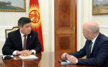 Сооронбай Жээнбеков принял директора ЕБРР по Центральной Азии Нила Маккейна