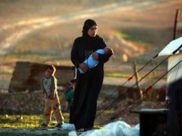 В видеосюжете France 24 про «ИГ» из Сирии показали женщину из Казахстана и паспорт Кыргызстана