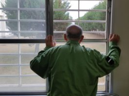 Старики-рецидивисты. Почему японские пенсионеры стремятся за решетку