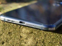 Для разблокировки смартфона Nokia 9 PureView достаточно упаковки жвачки