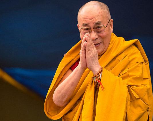 Далай-лама рассказал о своем методе борьбы с эпидемией коронавируса