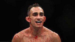 Американский боец UFC Тони Фергюсон заявил, что россиянин Хабиб Нурмагомедов боится проводить с ним поединок.