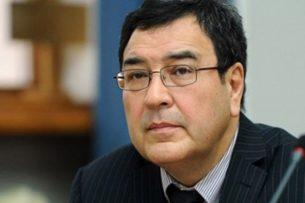 Экс-вице-премьер Шамиль Атаханов вышел под домашний арест. Он сотрудничает со следствием