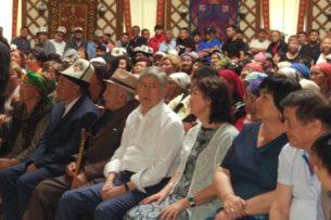 В поддержку Алмазбека Атамбаева прошло гражданское собрание
