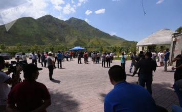 В селе Кой — Таш на митинге требуют отставки парламента