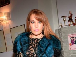 Певица Азиза заявила, что Тальков хотел свести ее с кримавторитетом