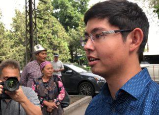 Кадырбек Атамбаев рассказал о причине изменения места проведения суда по рассмотрению меры пресечения отца