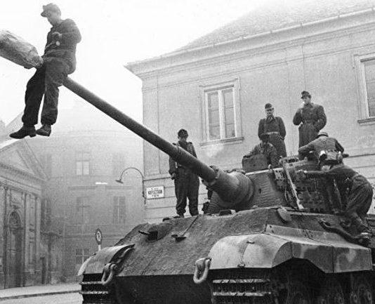 Чудо-наркотики, превратившие танки нацистов в несокрушимые машины смерти