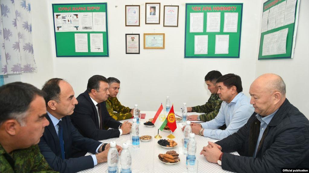 Ситуация награнице. Таджикистан продолжает строительство 1