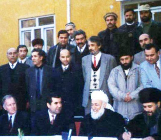 Война и мир в Таджикистане в учебнике для выпускников: правдивая ложь или искаженная правда?